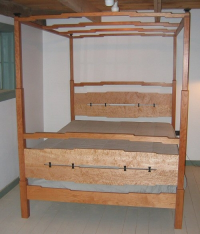 Arts-and-crafts-four-poster-bed