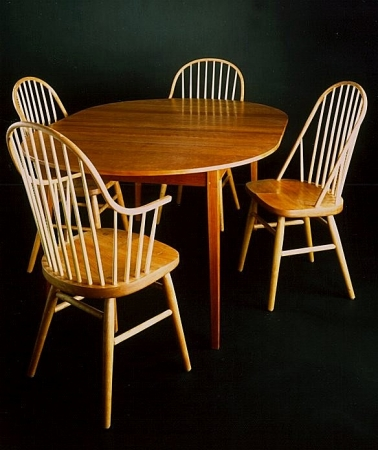 Round_and_Oval_Extension_Tables