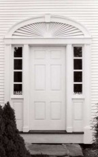 Traditional_Entry_with_sidelights_and_elliptical_fan