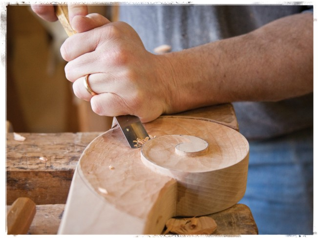 Carving a Sleigh Curl, Courtesy ShackletonThomas