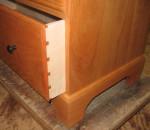 Dovetailed drawer in Shaker 7 drawer bureau