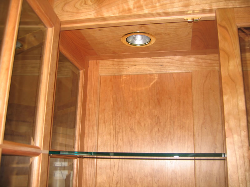 China Cabinet With Beveled Glass Glass Shelves And Display Lighting