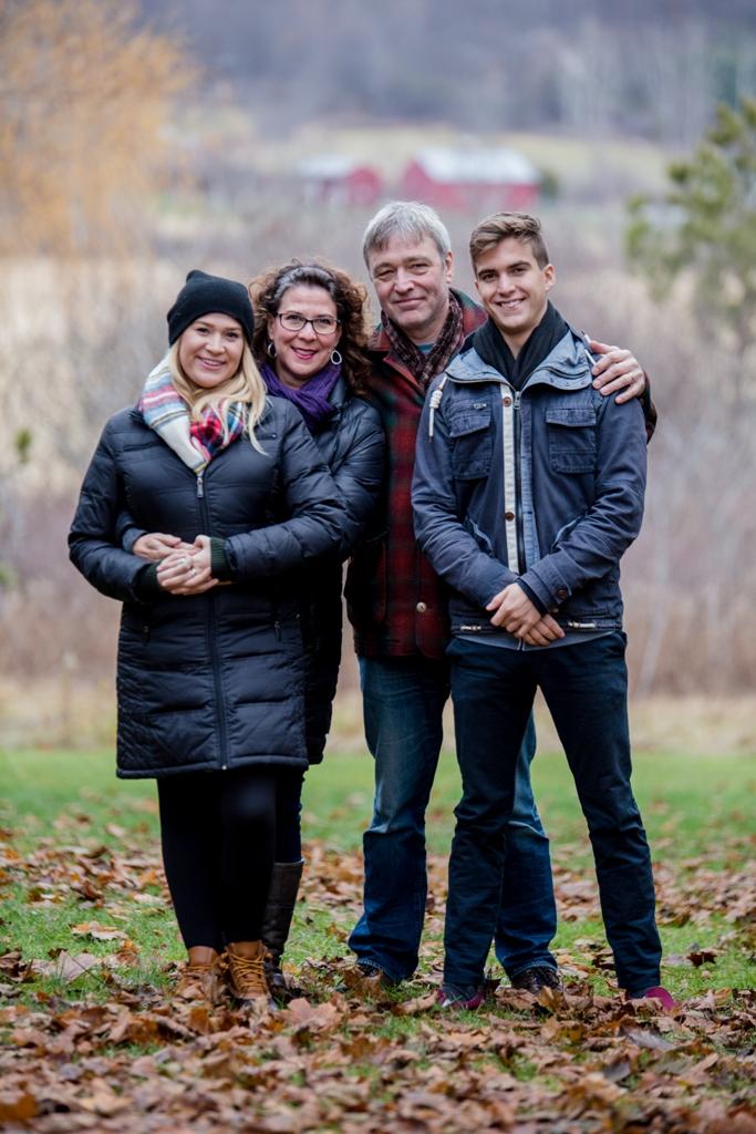 Lomas Family