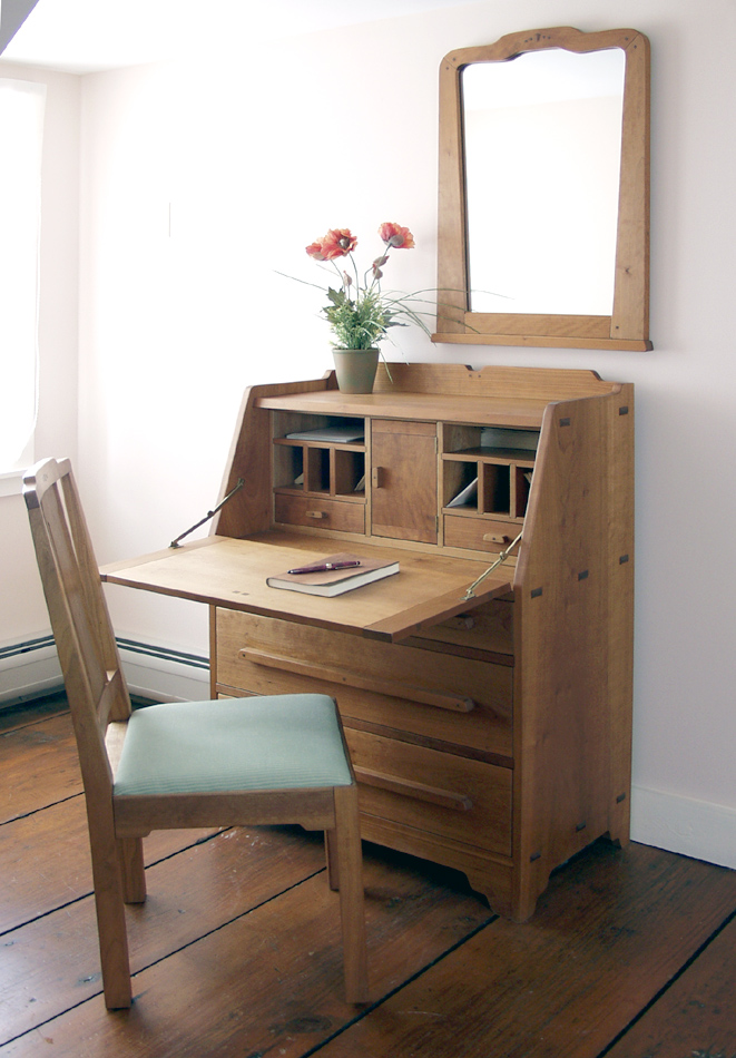 Arts & Crafts Desk by Dan Mosheim, Guild of Vermont Furniture Makers