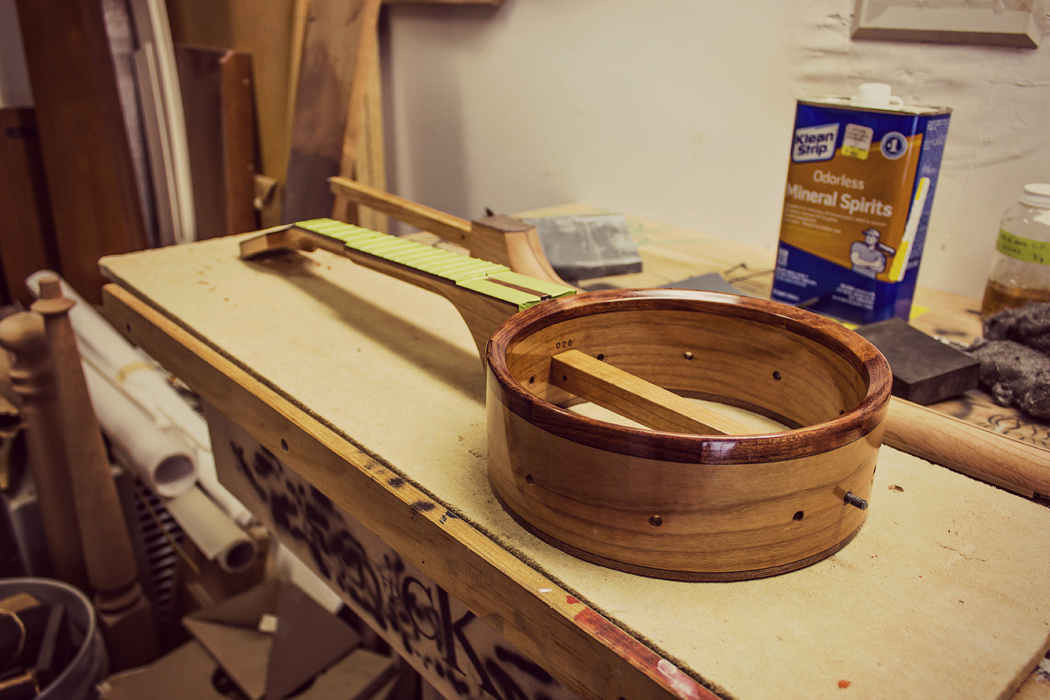 Banjo in Process, Seeders Instruments
